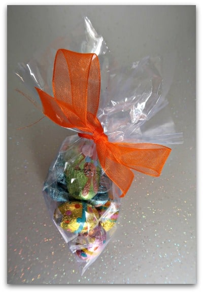 Make some Easter treat bags