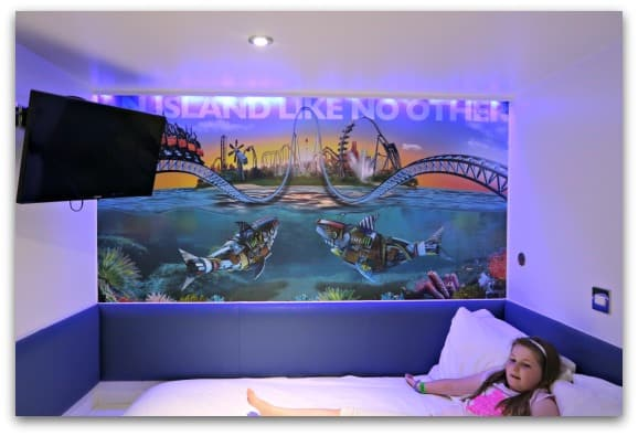 The rooms at the Shark Hotel, Thorpe Park are compact but really cosy with colourful decor and mood lighting