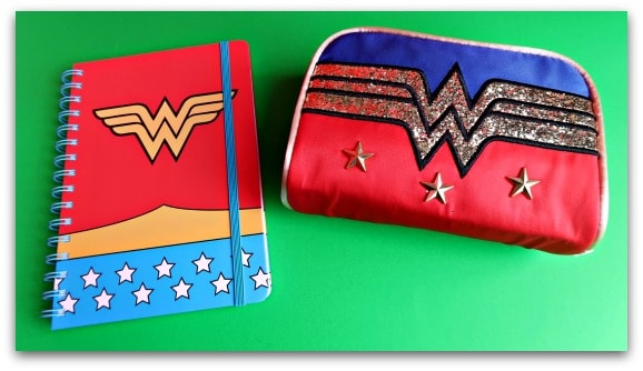 DC Comics Wonder Woman Costume A5 Notebook DC COMICS WONDER WOMAN COSTUME A5 NOTEBOOK AND RETRO WONDER WOMAN LOGO WASH BAG WITH GLITTER PRINT