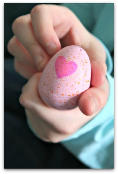 Rub the heart of the Hatchimals CollEGGtible egg until it turns pink and it is ready to hatch