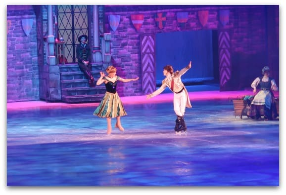 Disney On Ice Worlds of Enchantment includes all of the favourite songs from Frozen and everyone sings along