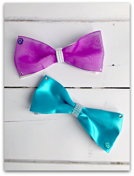 Wishing a few minutes of getting the Cool Maker JoJo Siwa Bow Maker  out of the box, my daughter had already created two bows