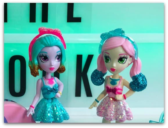 On Review – Off The Hook Dolls